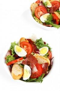 Dużo warzyw, nabiał, chude mięso to idealne jedzenie dla mamy
