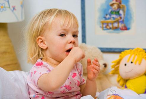 Kaszel u dziecka może być oznaką alergii lub choroby