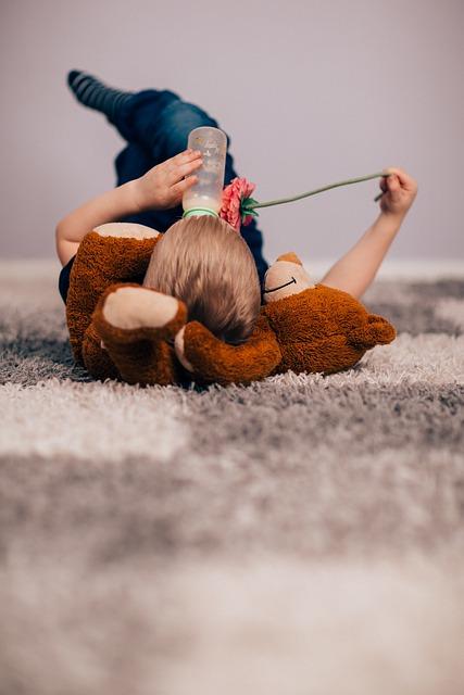 Dziecko karmione butelką rozwija się tak samo jak karmione piersią