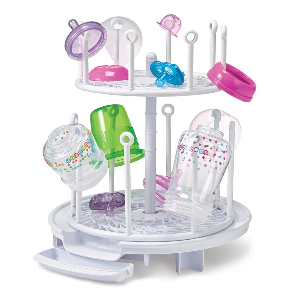 Odpowiednie akcesoria ułatwią karmienie dziecka butelką.