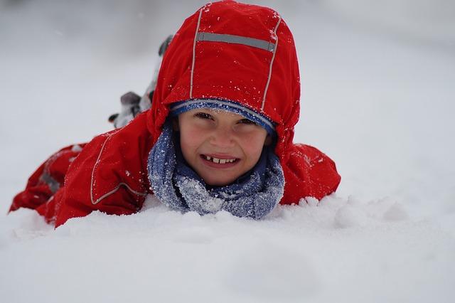 Zimowe spacery, codzienne i trwające godzinę także podnoszą odporność