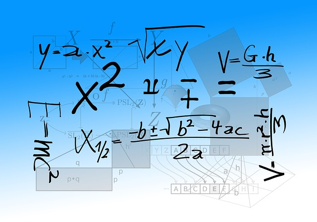 źródło: https://pixabay.com/static/uploads/photo/2015/05/08/05/09/mathematics-757566_960_720.jpg