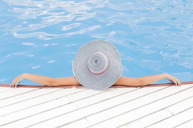 Kąpiel w basenie to przyjemność, ale także źródło kłopotów...