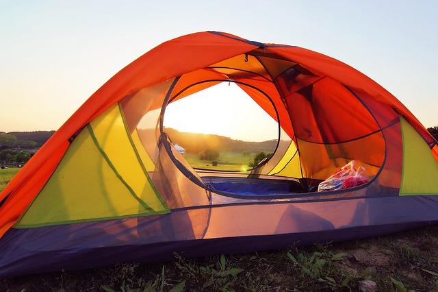 kemping - z dzieckiem pod namiotem