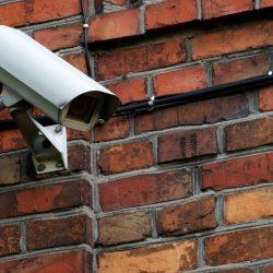 Biała kamera monitoringu